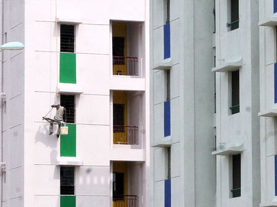 'Price of flat not relevant in case of claim for refund'